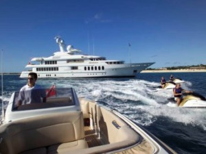 motor yacht huntress charter vacations